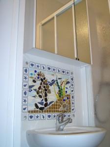 Hippocampe dans une petite salle de bain